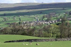 Village Surrounded by Fields ca. 2001 Askrigg, North Yorkshire, England, UK